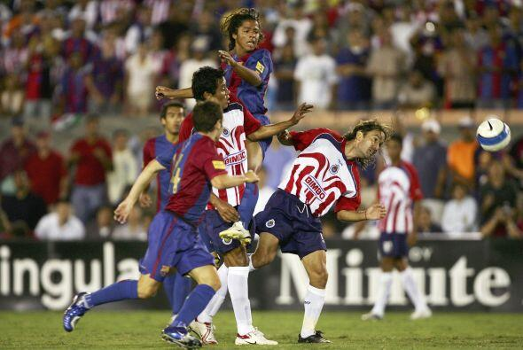 Para 2006, 'Gio' es llamado por el primer equipo del Barcelona para juga...