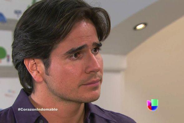 Octavio le afirmó a Lucía que él conseguiría el dinero para la cirugía d...