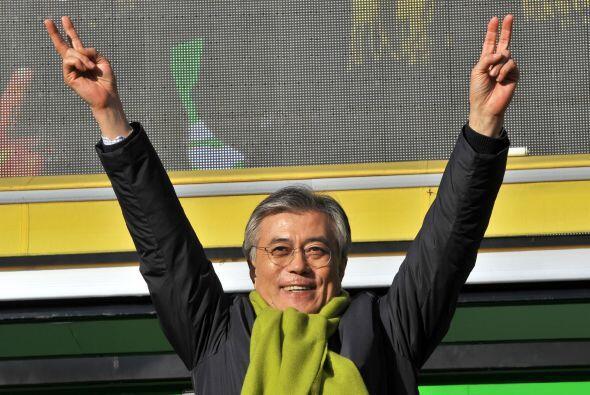 Moon Jae-in, abogado defensor de los derechos humanos de 51 años...