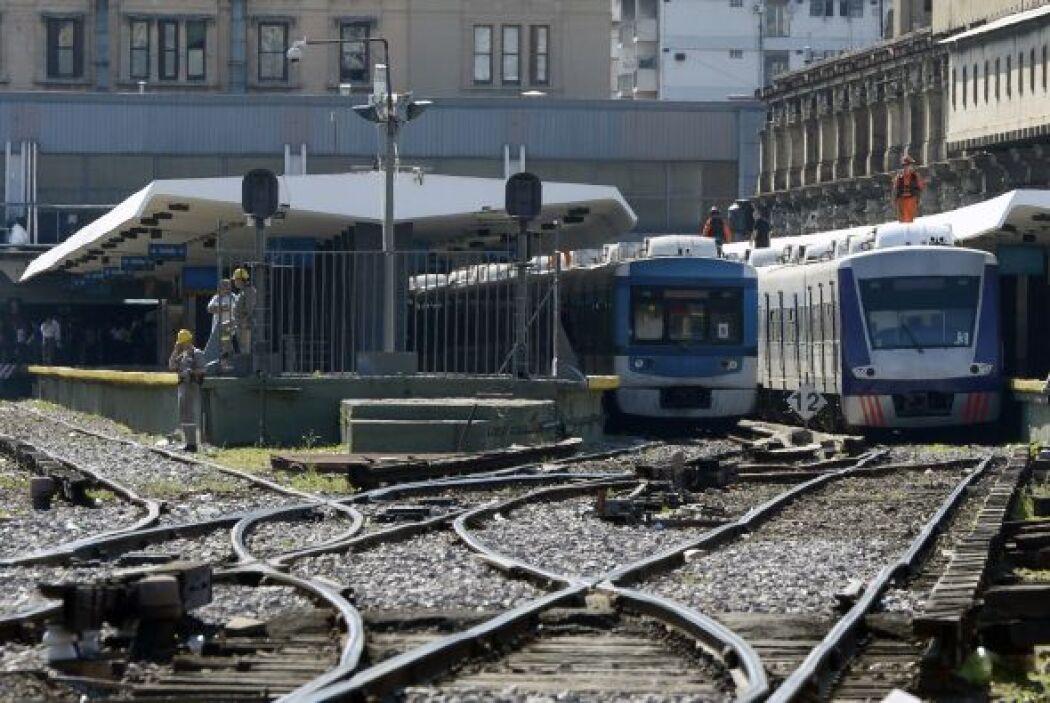 A mediados del siglo pasado, el sistema ferroviario argentino contaba co...