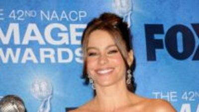 Sofía Vergara recibió el premio NAACP Image a la mejor actriz de reparto...