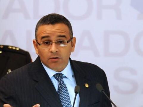 El presidente de El Salvador, Mauricio Funes, alcanzó en agosto p...