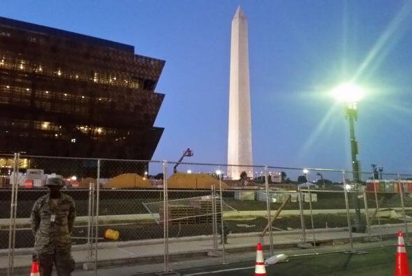 El gran obelisco conocido como el monumento a Washington. (Foto por José...