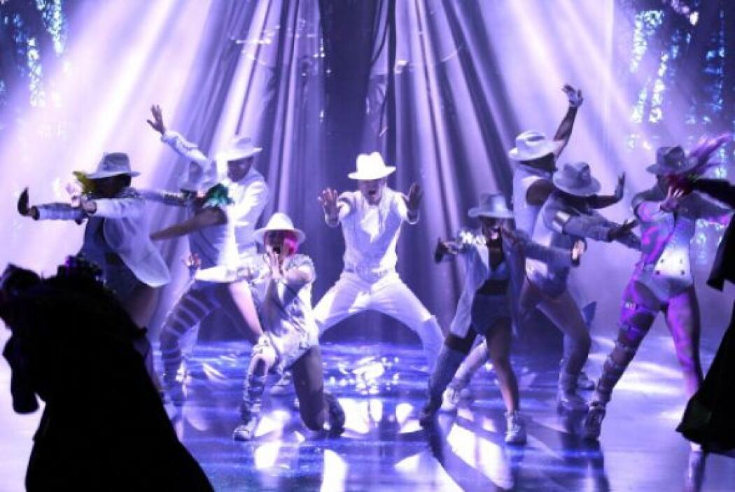 """9. Cirque du Soleil - """"Michael Jackson: The Immortal""""; 675,522 dólares;..."""