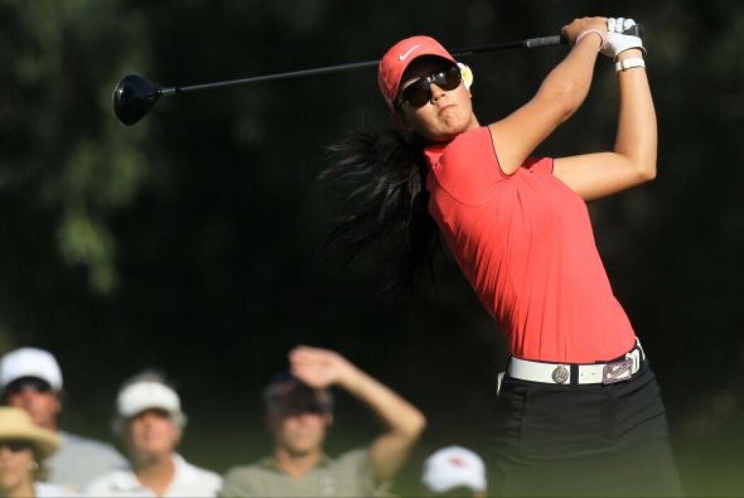 Su padre, B.J. Wie, fue su primer instructor de golf.