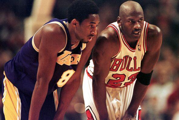 JUEGOS DE LAS ESTRELLAS - Kobe Bryant 16 - Michael Jordan 14