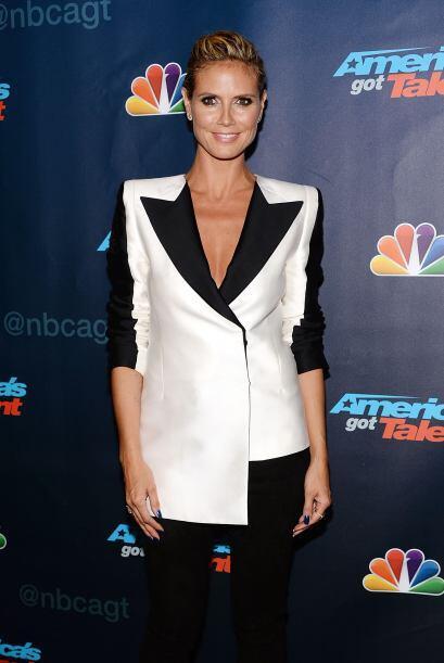 """El 'blazer' desigual de Heidi Klum se lleva el título a """"la..."""
