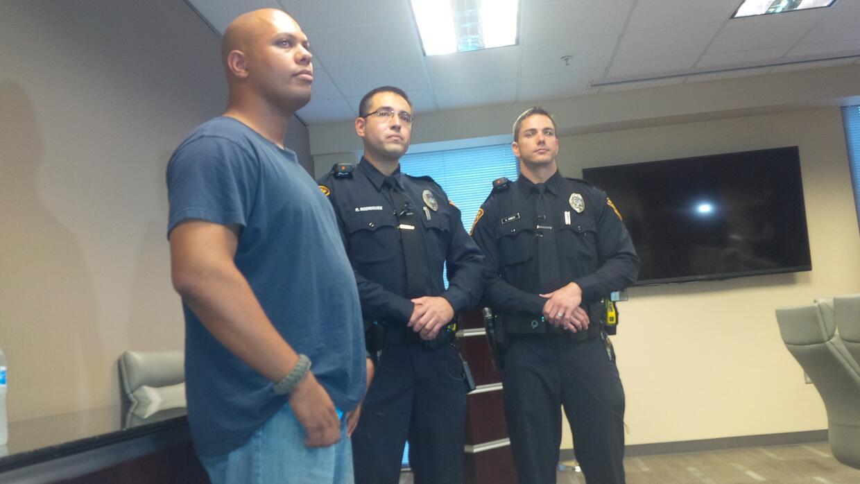 Detienen a un Afroamericano en Tucson y su historia se vuelve viral IMG_...
