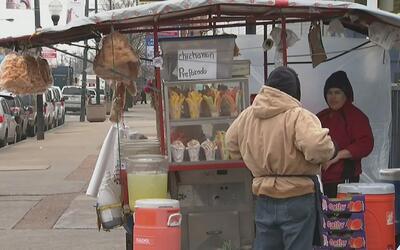El miedo a las deportaciones continúa afectando las ventas en los vecind...