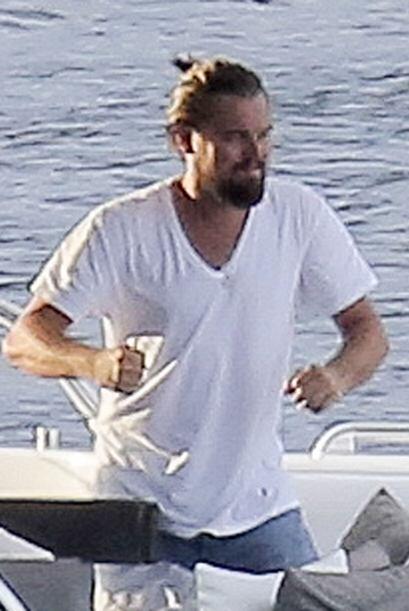 Leo también anda un poco desaliñado.Mira aquí los v...