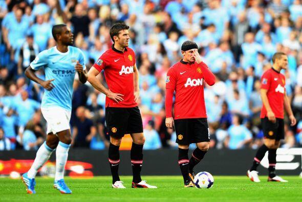 Un gol de Rooney sólo sirvió para maquillar el resultado d...