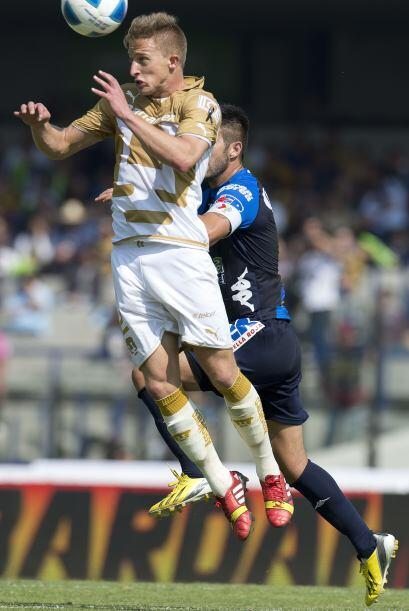 José antonio García jugó como titular en la defensa de Pumas, había teni...