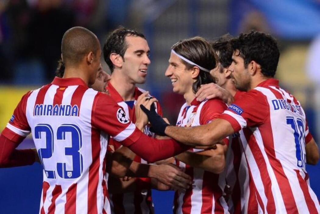 Los defensas tuvieron un buen partido y Filipe Luis colocó el 3-0.