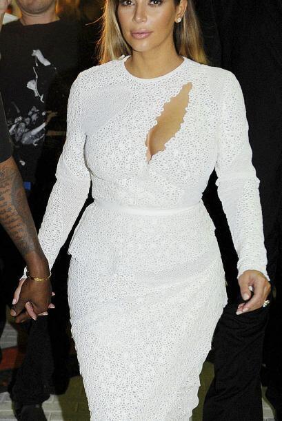 Después de su temporada 'dark' Kim Kardashian llevó el bla...