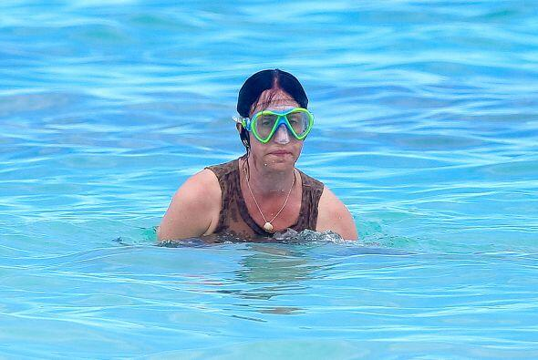 Gran parte de su tiempo se la pasó en el mar, usando sus enormes goggles...