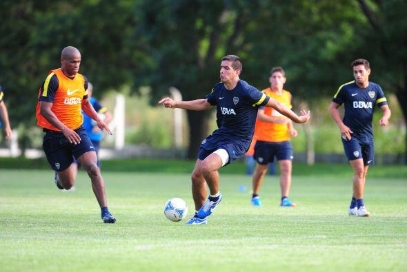 En 2008 su vida cambió al ser fichado por Boca Juniors, donde per...
