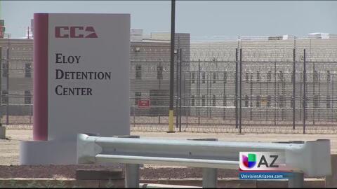 Activistas investigan abusos en centro de detención Eloy