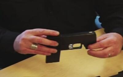 Cellphone Pistol, el arma de fuego parecida a un dispositivo móvil que p...