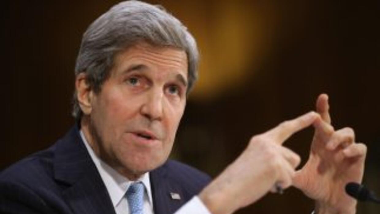 """""""México enfrenta obviamente un momento muy difícil"""", dijo Kerry."""
