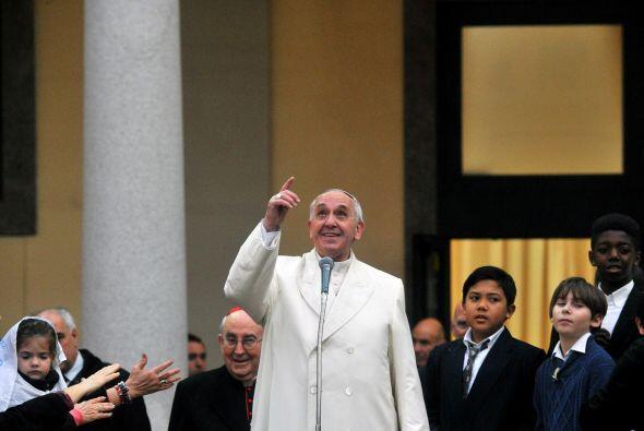 """Del Vatileaks, Francisco dijo que es """"un problema gordo"""", pero que ni se..."""