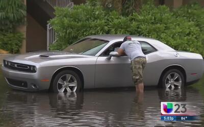 Diversas playas afectadas por inundaciones