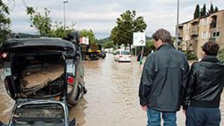 Al menos 19 muertos por inundaciones en Francia 987d97f62ac24ec8a964571d...