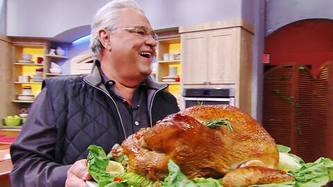 El Chef Pepín nos consintió con este increíble Pavo al Mojo para la cena...