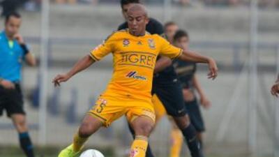 Egidio Arévalo.