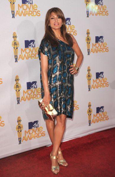 Stella McCartney le dio a Eva Mendes el 'outfit' adecuado para reflejar...