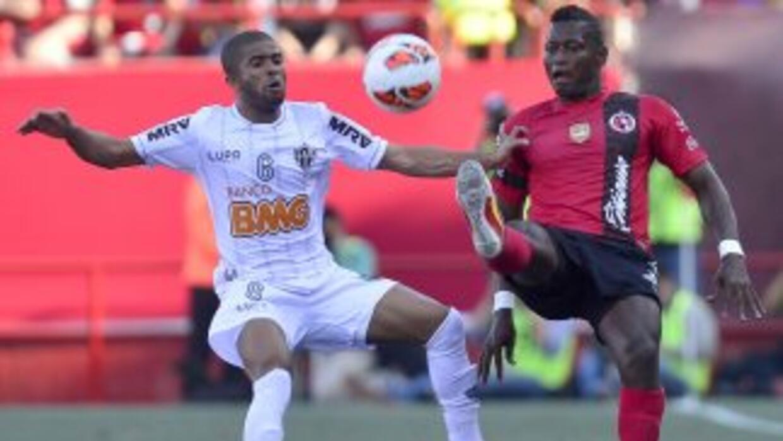 Se le fue el triunfo en el final al Tijuana ante un Mineiro luchador per...