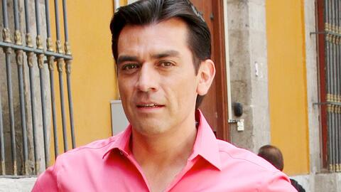 No piensa operarse: Jorge Salinas está aprendiendo a vivir con sus dolor...