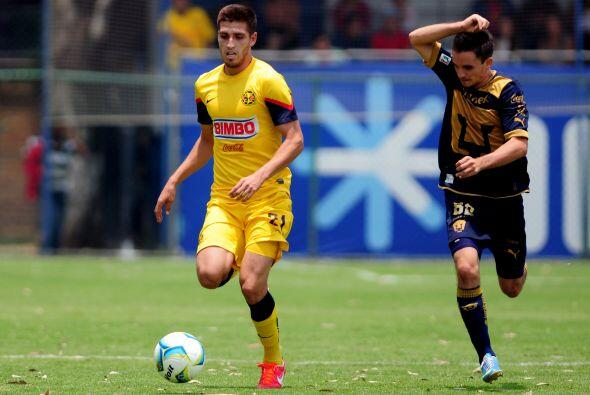 Ventura Alvarado, el defensor del América se ha destacado en un corto pl...