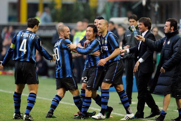 Una jornada más de la Liga italiana, la 28, vio caer goles al por mayor,...