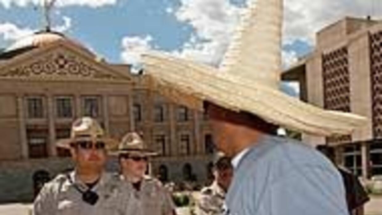 Concejos de Arizona demandarán al Estado por la ley antiinmigrante 11fa9...