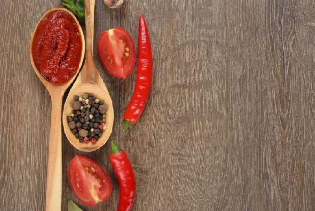 1-Especias y picantes causan úlcera: Falso. Los alimentos picantes puede...