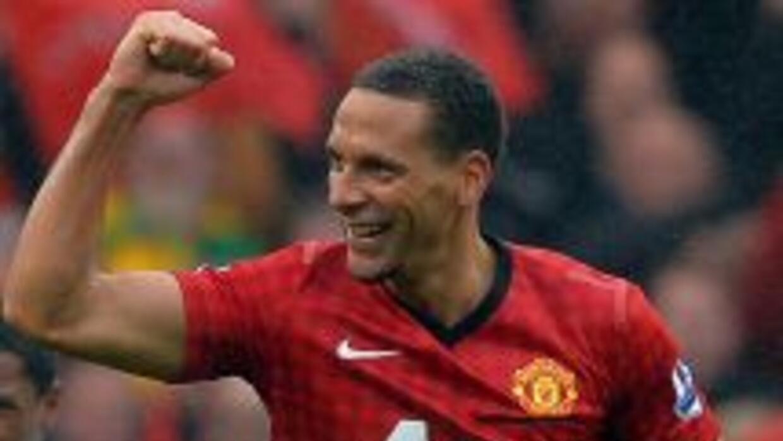 El veterano defensor cumplirá una temporada más con el United.