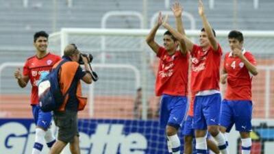 Chile volvió a sonreír tras vencer a Colombia por 1-0 y quedar cerca de...