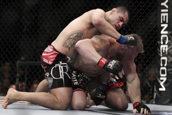 ¿Qué demonios pasaba? Lesnar fue despiadadamente golpeado...