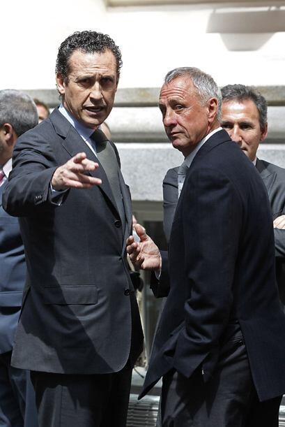Jorge Valdano y Johan Cruyff compartieron una buena charla.