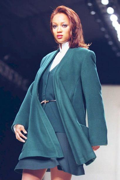 Por fortuna para Tyra, a los 17 años la agencia Elite Model Management v...
