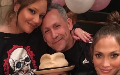 Leah Remini, Angelo Pagan, Jennifer Lopez y Marc Anthony en la fiesta de...