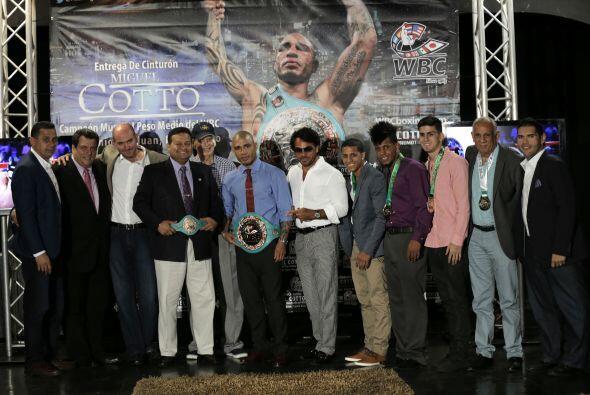Varios boxeadores boricuas acompañaron a Cotto(Foto: Cotto Promot...