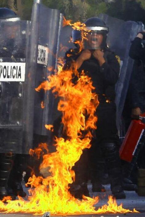 Uno de los enfrentamientos más largos se dio en Paseo de Reforma, una de...
