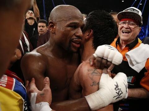 Floyd Mayweather Jr. derrotó  por decisión unánime...