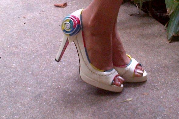 Y hasta los zapatos tienen un toque especial.
