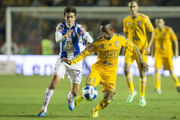 Tigres y Pachuca se enfrentaron en el Estadio Universitario y Hernan Dar...