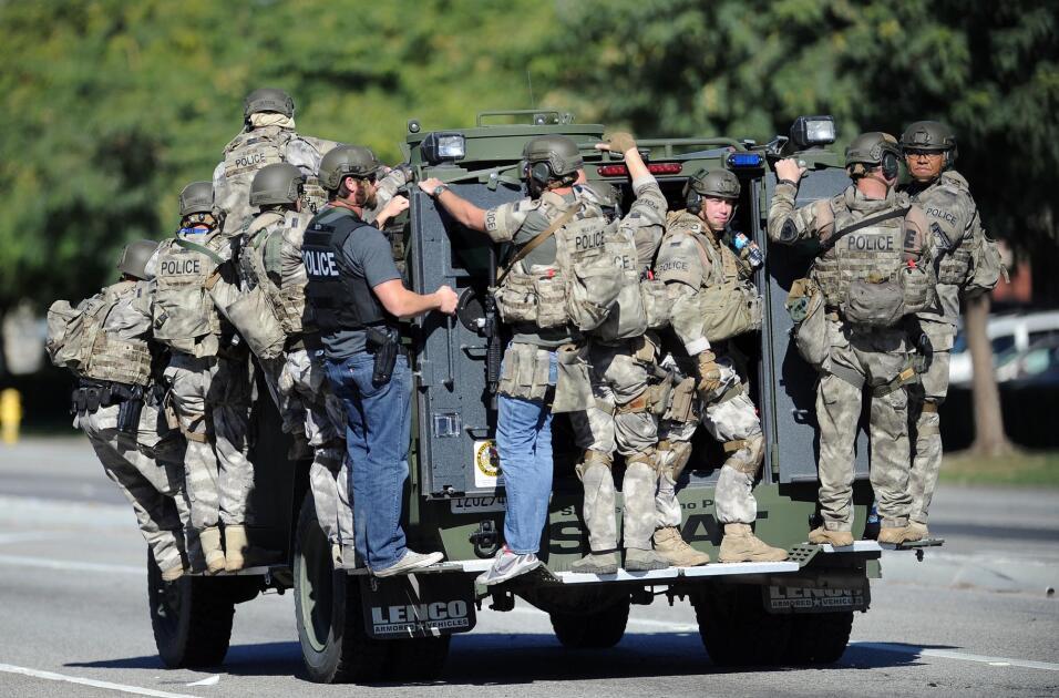 Hispanos consternados por tiroteo en California  AP_21347571471.jpg