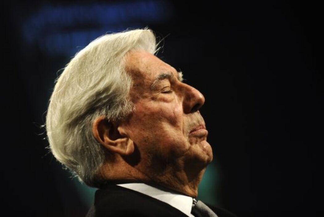 """""""Es un país que va camino a la dictadura"""", dijo Vargas Llosa, que tambié..."""