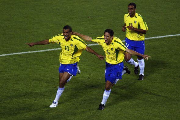2002 fue el cénit de la carrera de Rivaldo, quien terminó...