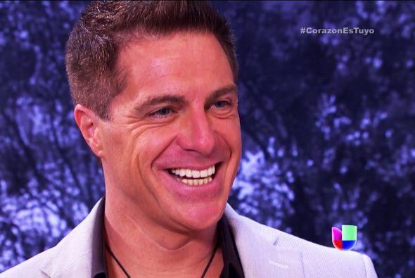 Esa sonrisa no nos engaña, lástima que Fernando no sospech...